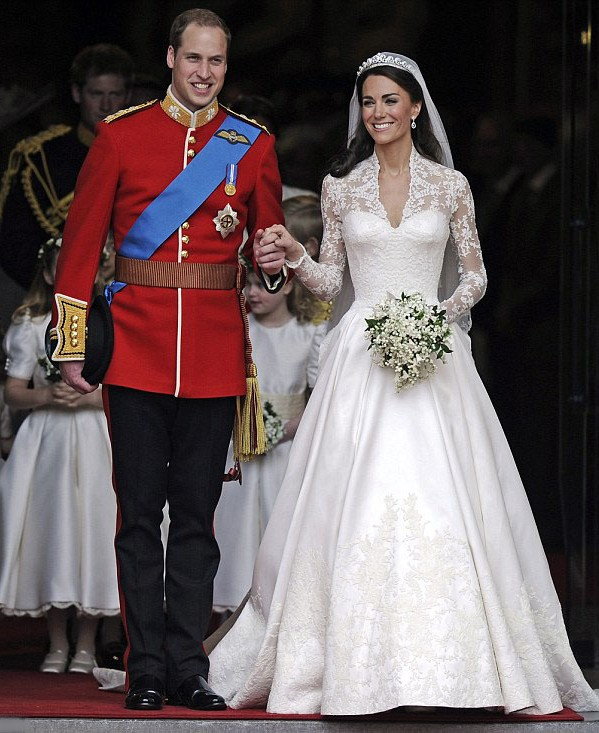 design-of-wedding-dress-from-royal-wedding-of-prince-william-and-kate ...