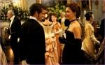 hysteria-charlotte-maggie-gyllenhaal-und-mortimer-granville-hugh-dancy-bei-seiner-verlobungsfeier-mit-ihrer-schwester-senator-film